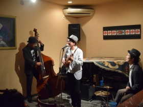 9/29Ukulele Swing Trio